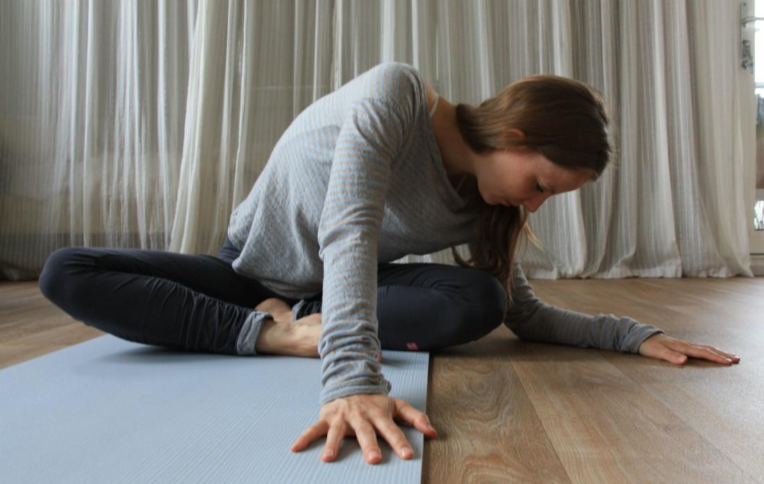 yoga side stretch