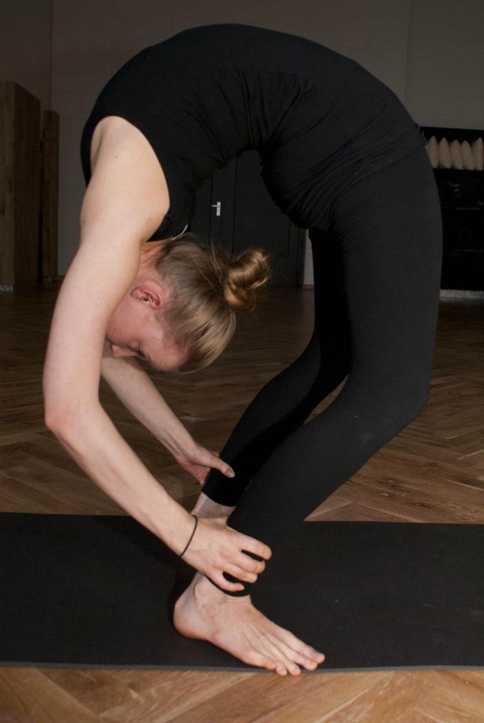 yoga blessure rug