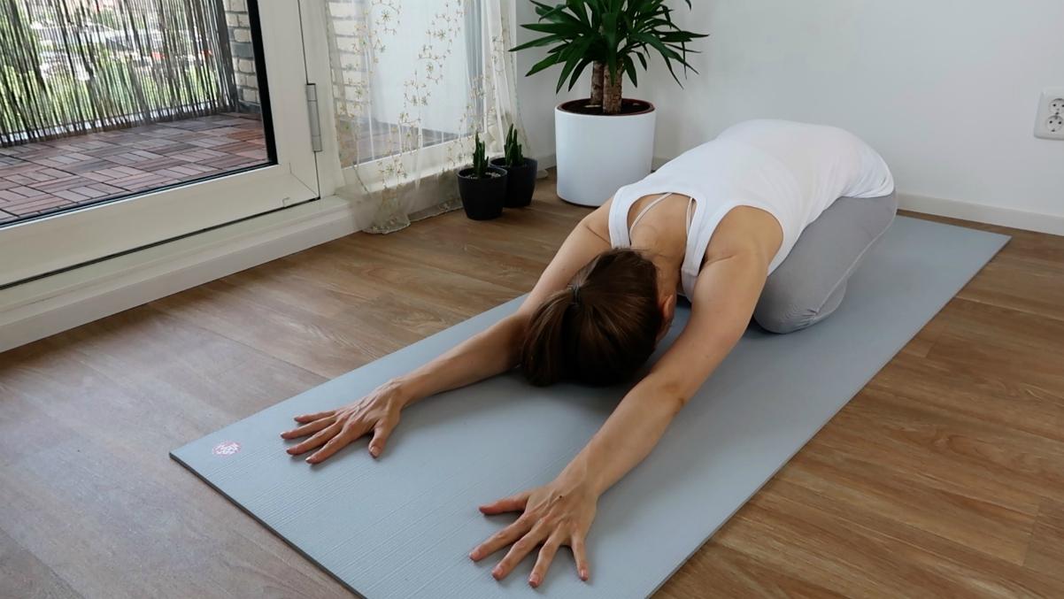 yoga oefeningen voor de onderrug - kindhouding