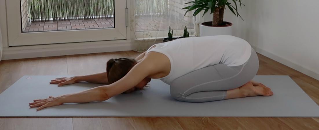 yoga oefeningen voor de onderrug, kindhouding2