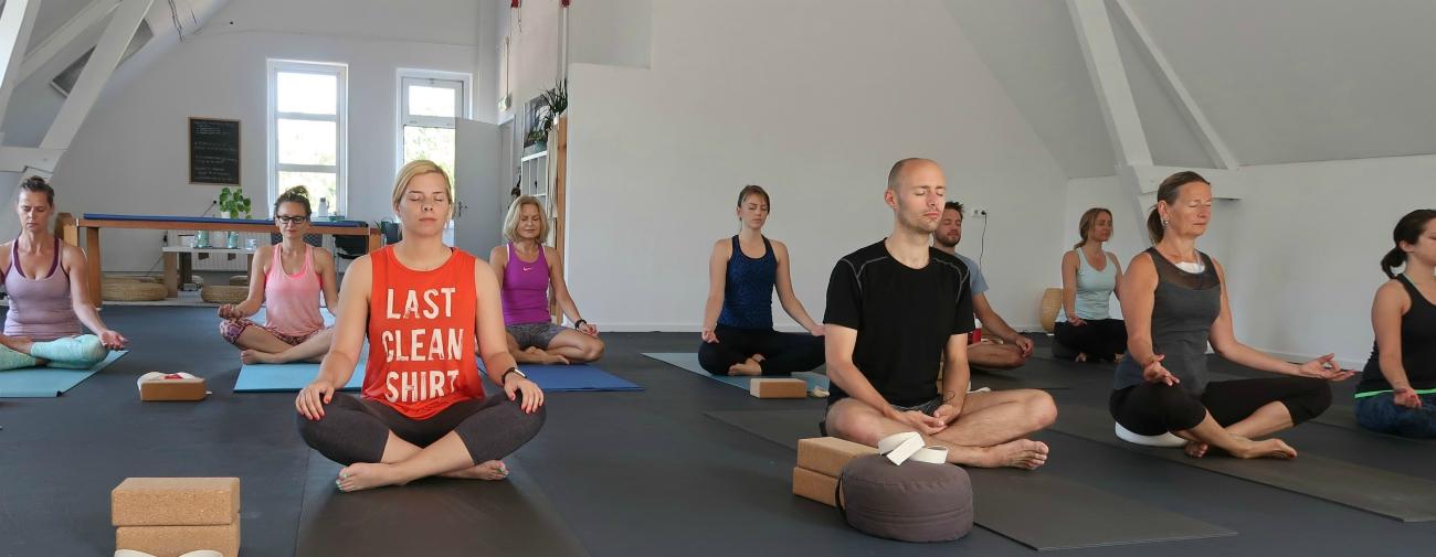 yoga studio den bosch contact