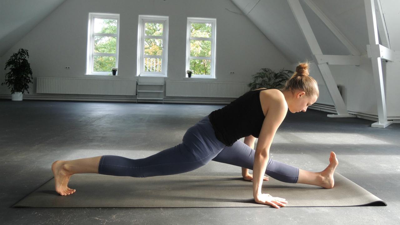 Strek je hamstrings met deze yoga oefeningen!