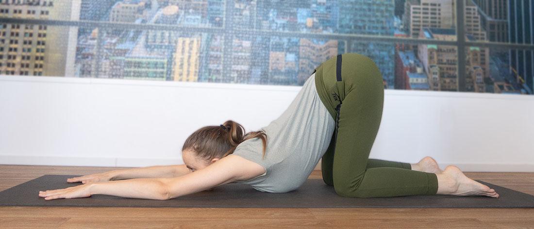 yoga oefeningen schouders