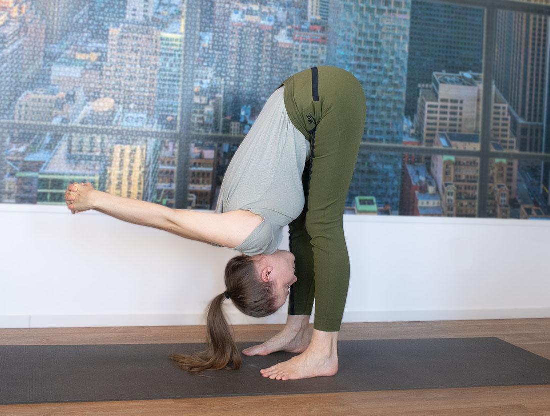 yogaoefening schouders